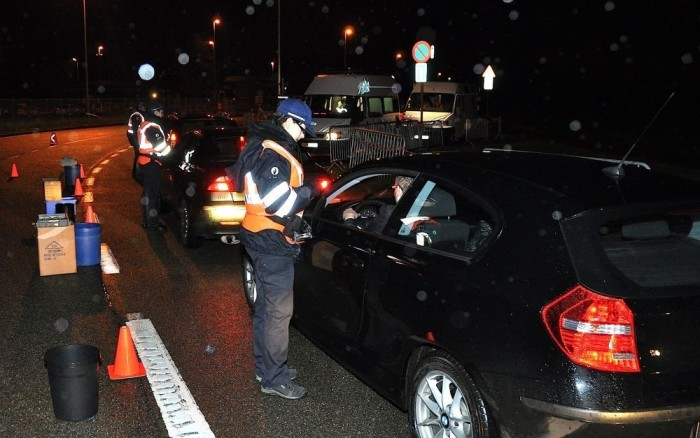 Apparently Belgian police checks are easy to cheat with foreign cars.