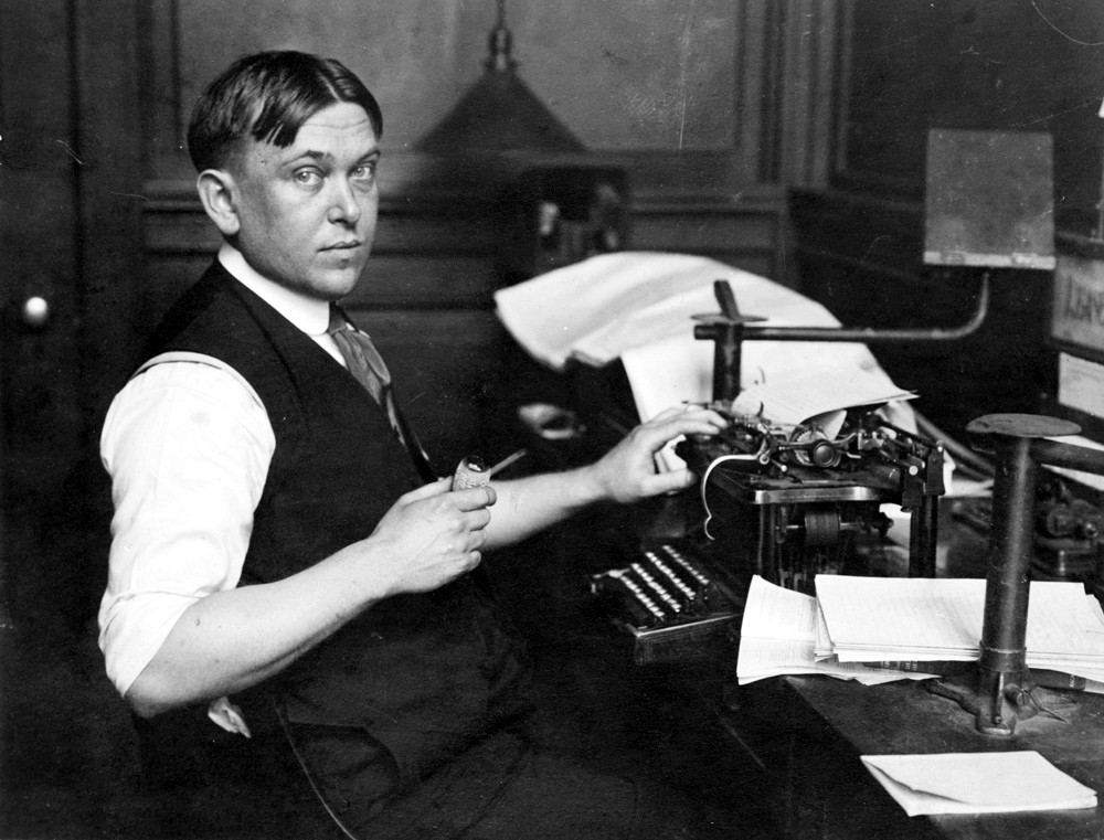 biography of henry louis mencken as american writer H l mencken: (henry louis mencken) (mĕng´kən, mĕn´–), 1880–1956, american editor, author, and critic, b baltimore, studied at the baltimore polytechnic probably america's most influential journalist, he began his career on the baltimore morning herald at the age of 18, became editor of the baltimore evening herald, and from 1906 until his death.