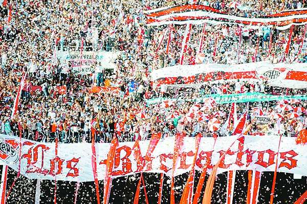 There's that word again; borrachos. These fans support the Argentinian club River Plate and they call themselves the 'Drunks of the terrace'.