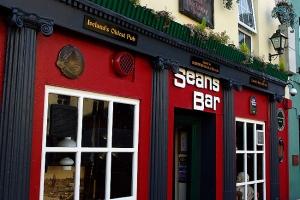 Sean's Bar.