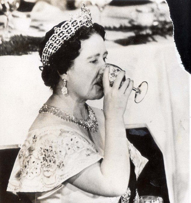 Queen Mum Gin Tonic