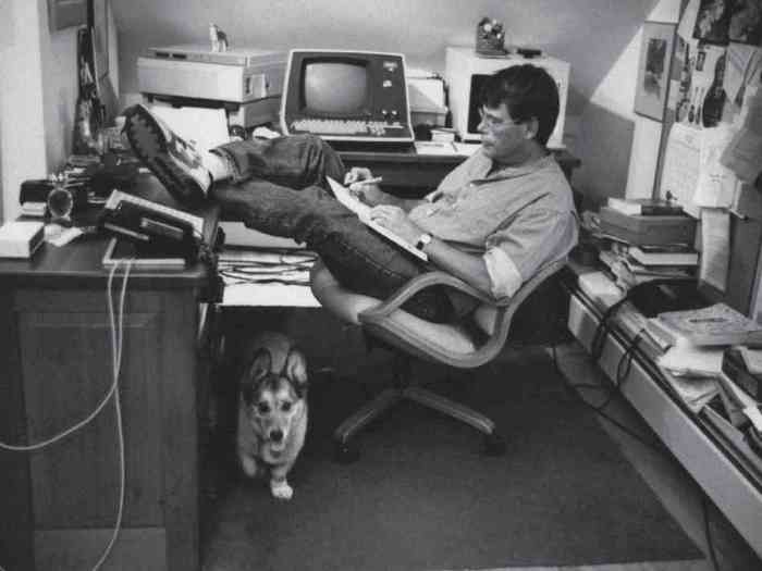 The legendary writer Stephen King at work.