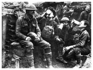 Allied forces are having a drink during World War I.