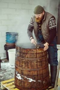 A Lithuanian craft brewer at work. Source: www.facebook.com/dundulis.alus.gira